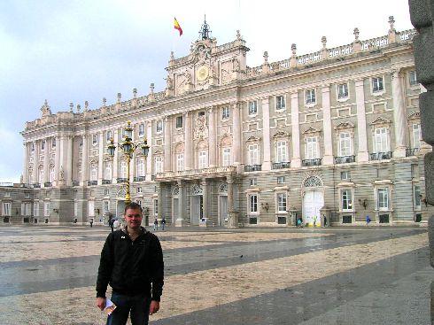 В апреле в Мадриде ходят в лёгких курточках