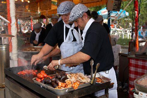 Неповторимый аромат разных вкусностей, готовящихся в мадридских парках, не на шутку разжигает аппетит