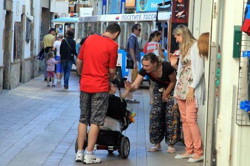 Испанцы любят общаться и редко куда-то спешат (Фото с otecsergiy.livejournal.com)