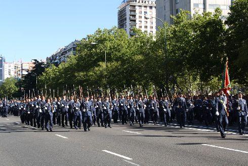Военный парад на День Испании всегда выдаётся очень зрелищным
