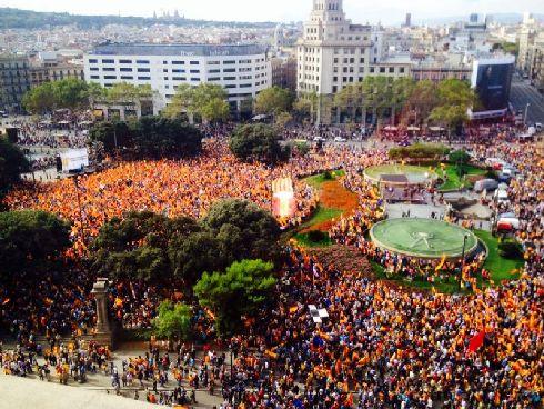 Национальный день Испании в Барселоне отмечается так же пышно, как и в Мадриде