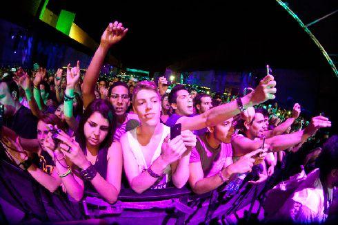 Фестиваль электронной музыки Sónar пройдет в Барселоне в июне (Фото с djsets.co.uk)