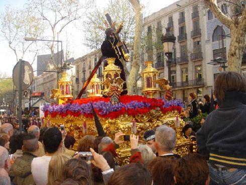 Пальмовое воскресенье и страстная пятница (Фото с barcelona-metropolitan.com)