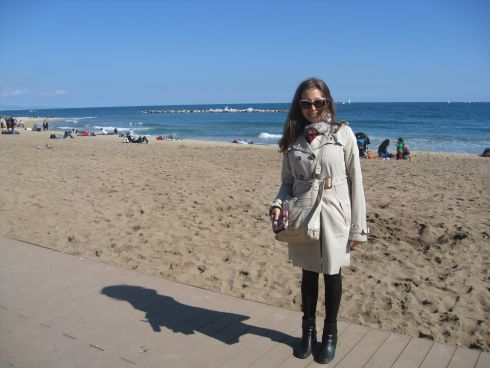 На фотографии погода в Барселоне 12 января - отличный день, чтобы прогуляться по городу и вдоль побережья!