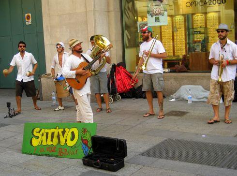 Возможно Вам понравится уличная музыка.. обязательно приобретите в память о Вашей поездке диск музыкантов!