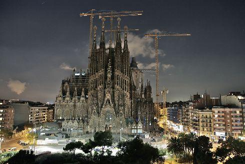 Барселона относится к тем городам, которые за один визит не обойдешь даже наполовину
