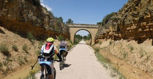 Каталония на велосипедах - еще один популярный вид туризма в Испании