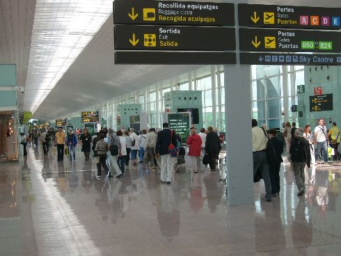 В аэропорту Барселоны появилась станция метро