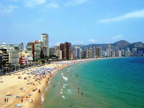 В Бенидорме всего 4 пляжа, и они считаются одними из самых лучших на всем средиземноморье