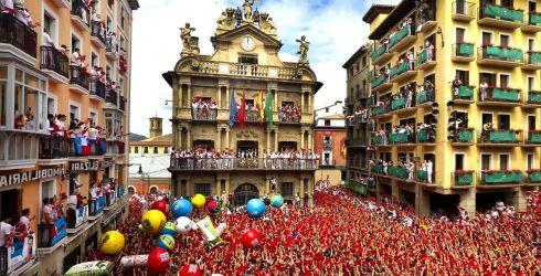 Именно весной в Испании отмечается христианский праздник Пасха